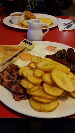 Okehampton, UK: Omelette and Big Breakfast