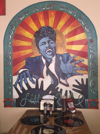 Appleton, Ουισκόνσιν: Respect the legend Little Richard!! Why are we worried about his sexuality? #cozzylove