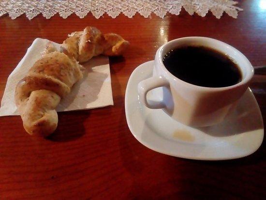 Hotel Pueblo Magico: Café y pan por las mañanas... DELICIOSOS