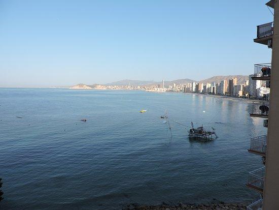 Hotel Benikaktus: Playa Levante in the morning