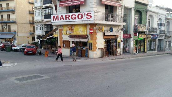 Dicks Bar & Cafe