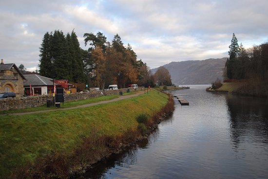 Heart of Scotland Tours: The town of Loch Ness