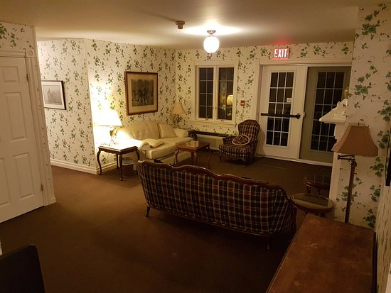 """The Waring House: Common room in """"The House Next Door"""""""