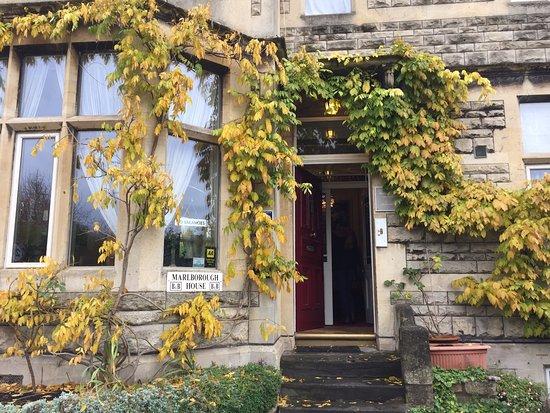 Marlborough House: Front of the inn.