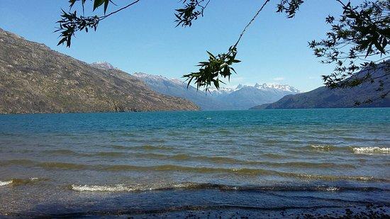 Lago Puelo. Vista desde la playa