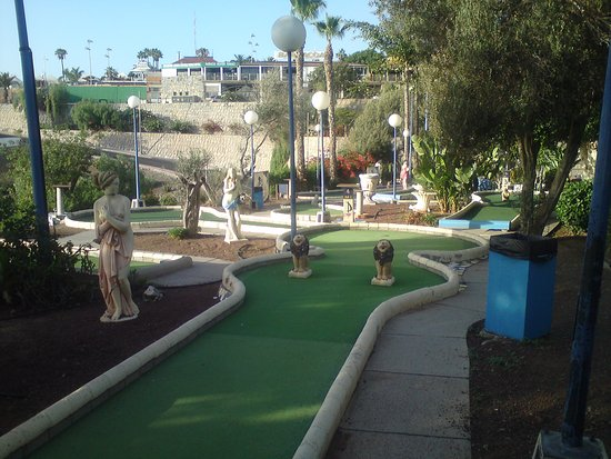 ‪Europa Center Mini Golf‬