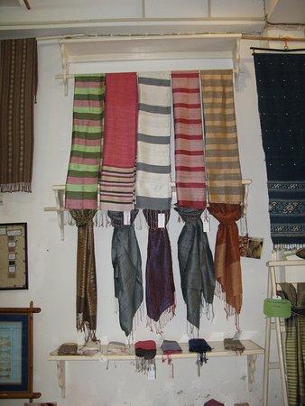Saoban: Sample of scarves