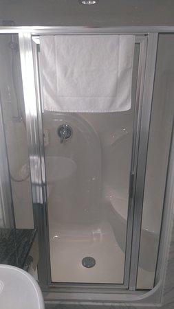 Atlanta Hotel International: fajna i czysta kabina prysznicowa