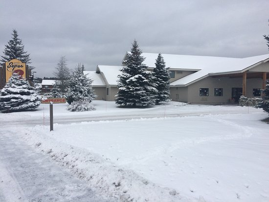 McCall, ID: This Super 8 is wonderful and so pretty this time of year! Great rates and excellent customer se