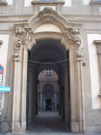 Palazzo delle ex Scuole Arcimbolde