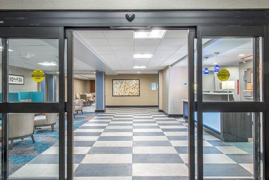 ชอว์นี, แคนซัส: Main Entrance