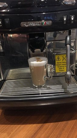 Barnet, UK: Cafe latte