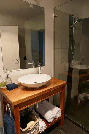 Ohakune, Nueva Zelanda: Bathroom vanity