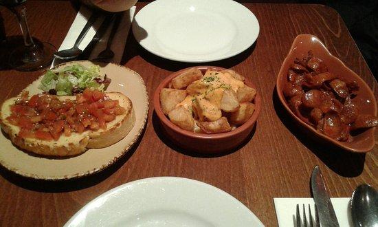 Torres Tapas Restaurant: 20161127_203756_large.jpg