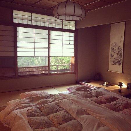 Salon Haraguchi Tenseian: Cosy futons