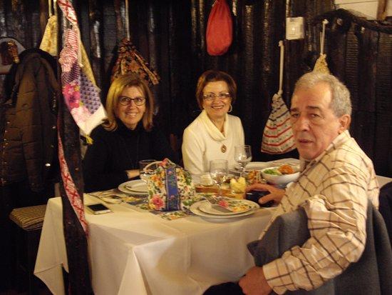 Caldas da Rainha, Portugal: preparação para o nosso almoço, apenas estão as entradas