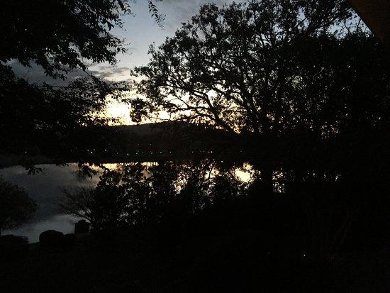 Lookout Point Lakeside Inn: photo1.jpg