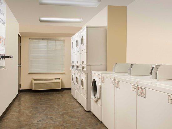 Alcoa, TN: Laundry Room