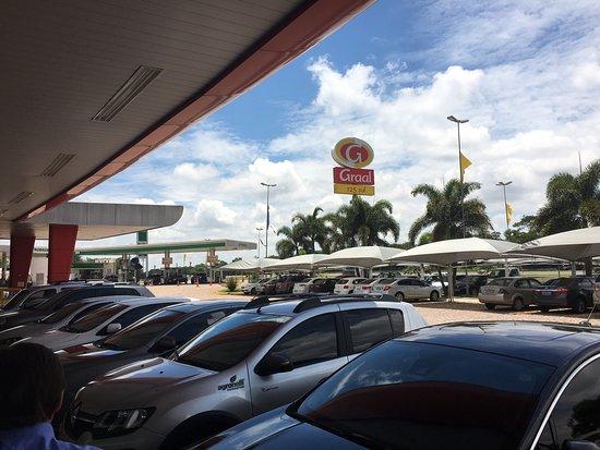 Santa Barbara d'Oeste, SP: Pista de estacionamneto dos veículos
