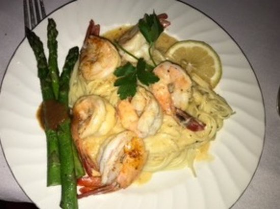 Steeles Tavern, VA: Scrimp scampi and asparagus.