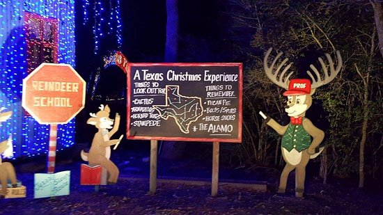 College Station, تكساس: One of many scenic attractions at Santa's Wonderland which you can see during the hayride tour. 