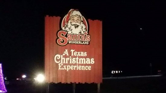 College Station, تكساس: The Santa's Wonderland sign which can be seen from the highway.