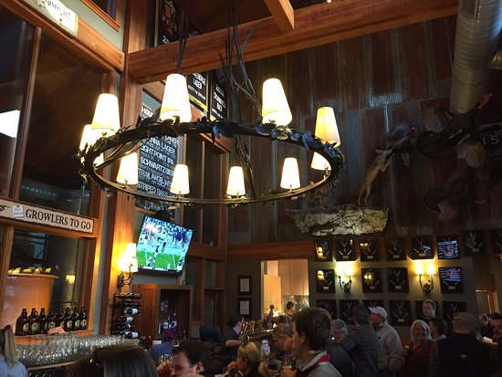 Roseland, Wirginia: By the Bar