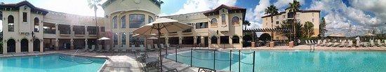 The Berkley, Orlando: Panoramic view of the pool area
