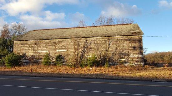 Simsbury, CT: Tobacco Barn