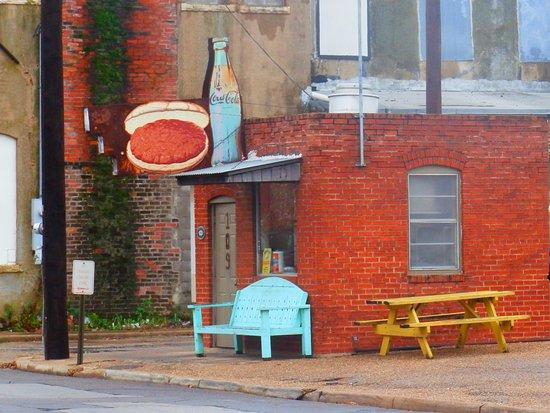 Cleburne, TX: Burger Bar