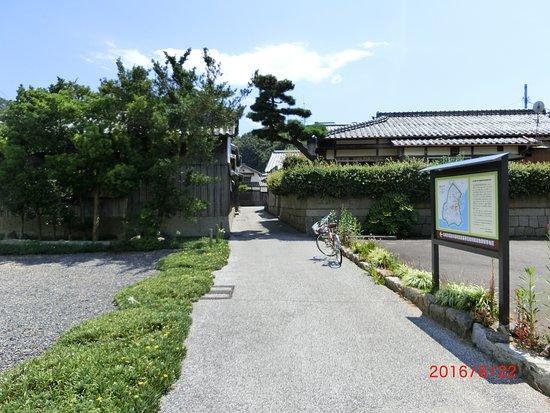 Marugame, Japan: 笠島まち並み
