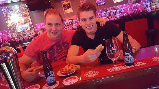 Hillegom, Niederlande: Cafe Bar Puntje Puntje