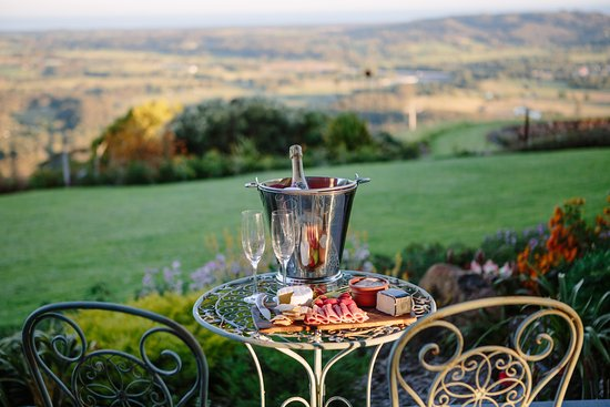 Berry, Australia: Your own deck - perfect for a chilled glass of bubbles