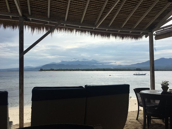 Gili Air, Indonesia: Lovely view from the resort's restaurant where we ate our breakfast every morning.