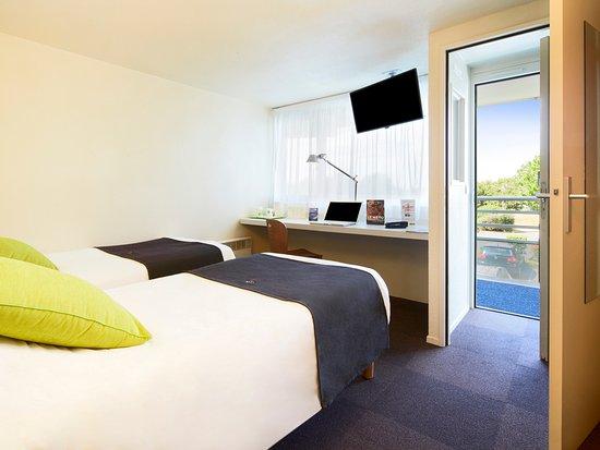 campanile poitiers site du futuroscope hotel chasseneuil du poitou france voir les tarifs. Black Bedroom Furniture Sets. Home Design Ideas
