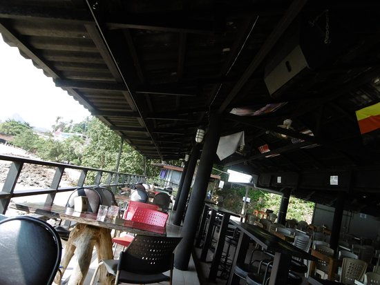 Phi Phi Don Chukit Resort: The Location Point Restaurant