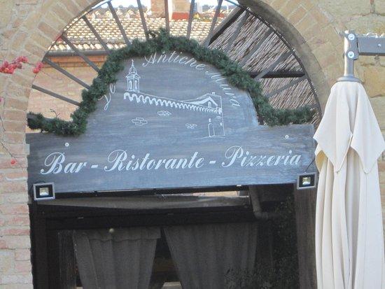 Buonconvento, Italien: Eingang zum Ristorante Le Antiche Mura