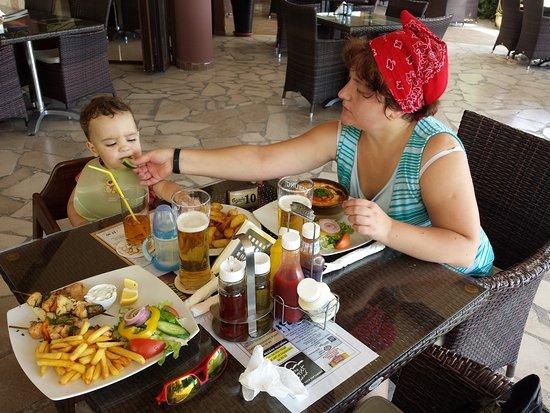 Saint Giorgio: Обедаем всей семьёй))