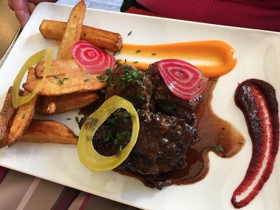 Azur, Frankreich: Boeuf et frites maison