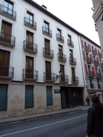 Apartamentos Turisticos Sagasta: fachada