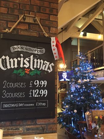 Heswall, UK: The Mouse is ready for Christmas!!!
