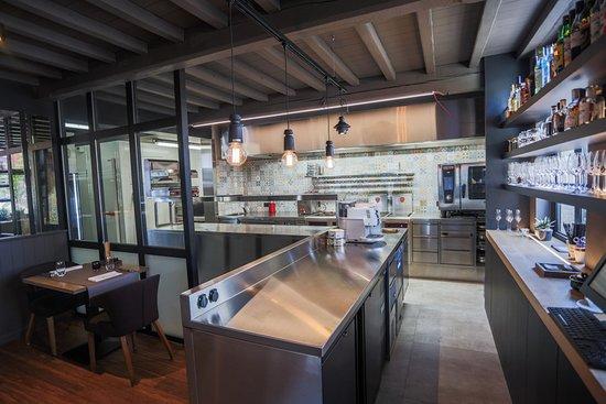 Keuken en bar picture of cuisine kwizien zwevezele tripadvisor
