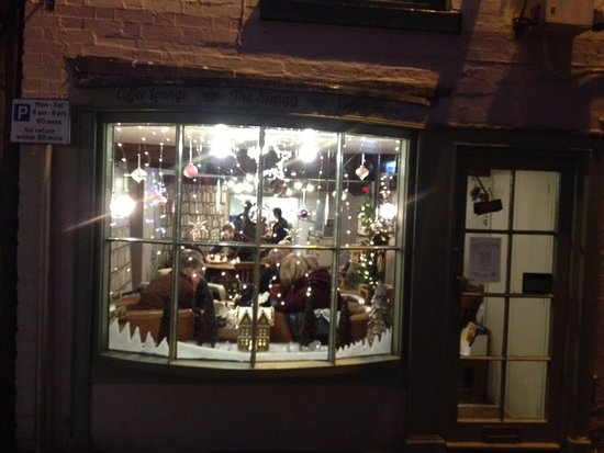 Bromyard, UK: A cosy scene on a wintry evening's special opening!