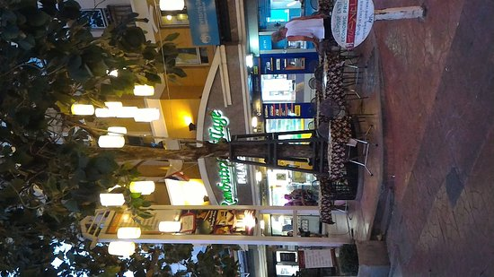 Rambuttri Village Inn & Plaza: P_20161123_175227_large.jpg
