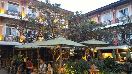 Rambuttri Village Inn & Plaza: P_20161123_175155_large.jpg