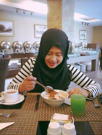 Hotel Arjuna: enjoyed breakfast