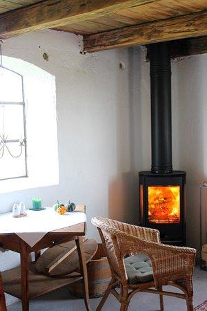 Simrishamn, Suécia: Braskaminen för kyliga kvällar-