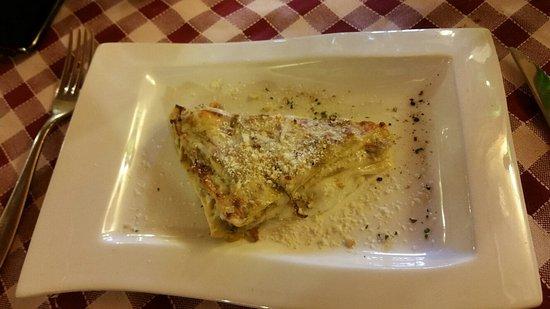 Zola Predosa, Itália: 1/2 lasagnetta con carciofi e fior di latte