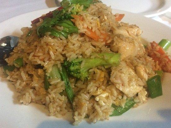 Menu Thai Restaurant: Beef w/ oyster sauce & chicken fried rice