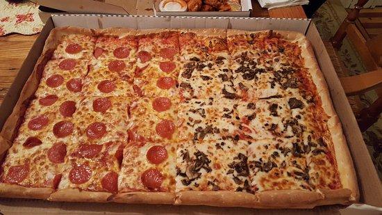 Mayville, NY: Pizza